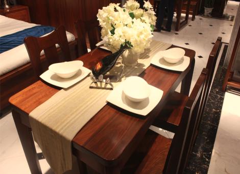 莫霞 106餐桌+餐椅